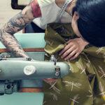Come alcune borse colorate possono aiutare le donne operate di tumore al seno