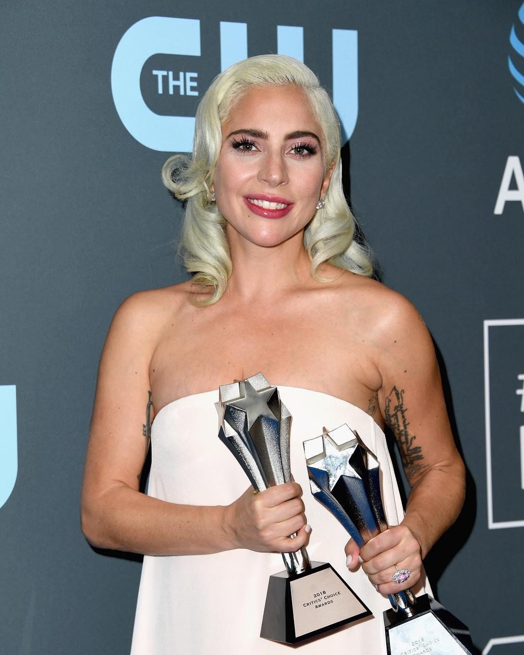 I ripetuti stupri subiti da Lady Gaga: se il dolore di un vip può aiutare gli altri