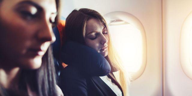 Jet lag: la sindrome da fuso orario si può tenere sotto controllo