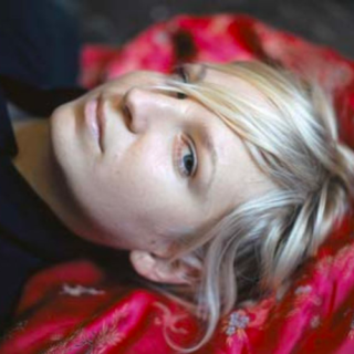 """Sia e la Sindrome di Ehlers-Danlos: """"A chi, come me, soffre di dolori cronici: non siete soli"""""""