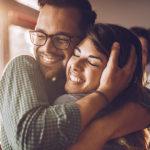 Cosa succede al nostro corpo e al nostro cervello durante un abbraccio