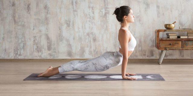 Vinyasa yoga: un flusso armonico di respirazione e movimento