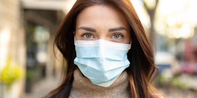Devo ancora indossare la mascherina dopo aver fatto il vaccino Covid?