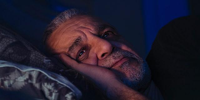 9 rischi gravi cui va incontro chi non dorme bene (e alcuni rimedi utili)