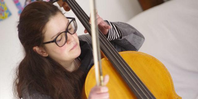 """""""Mi dicevano che non ero brava, ma soffrivo di distonia"""": Vera e l'amore per la musica"""