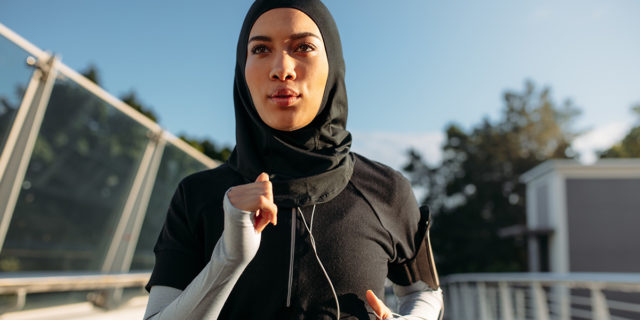 Correre fa sempre bene? Benefici della corsa e controindicazioni