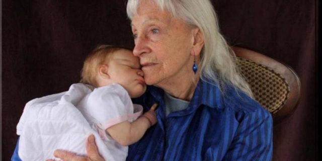 Doll therapy, perché una bambola può aiutare le persone con demenza senile