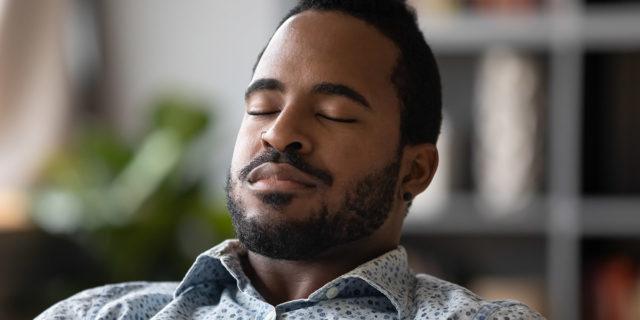 """Eye yoga, i benefici e gli esercizi dello """"yoga degli occhi"""""""