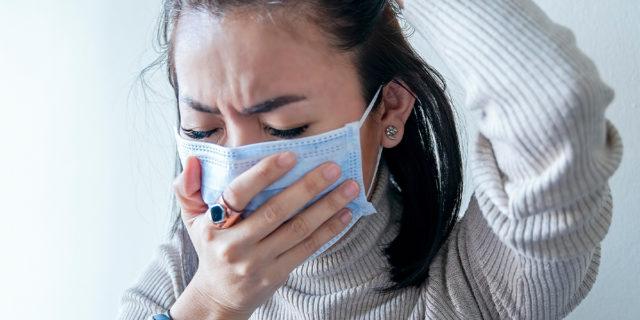 Il Covid non è solo una pandemia, ma una sindemia: la differenza è enorme