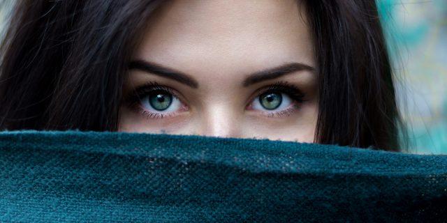 Strabismo di Venere, le cose da sapere sull'imperfezione diventata simbolo di bellezza