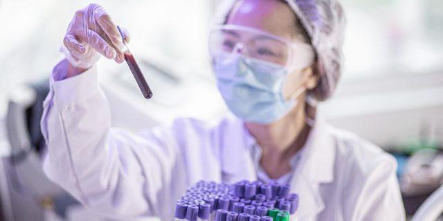 """Covid e lab-leak: su cosa si basa la teoria della """"fuga"""" dal laboratorio"""
