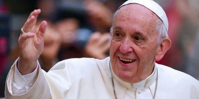 Che cos'è la stenosi diverticolare del colon di cui soffre Papa Francesco
