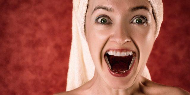 Dente scheggiato, quel disturbo che mina l'autostima (e la salute)