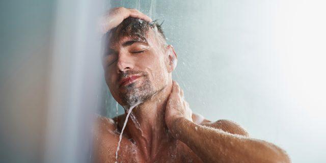 Quante docce alla settimana è meglio fare? La risposta degli esperti