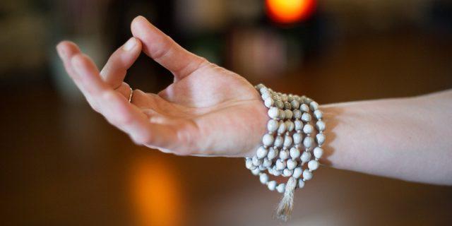 Mudra, come usare l'energia che abbiamo nelle nostre mani senza saperlo