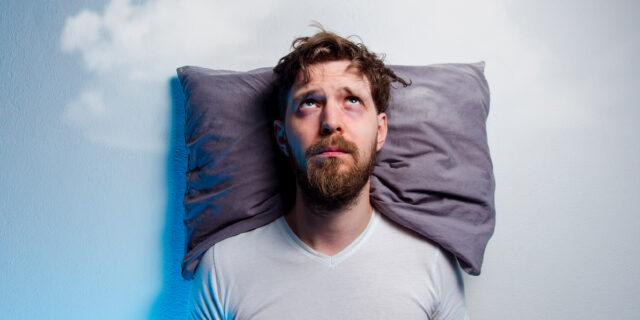 Meditazione per dormire: 5 tecniche per sconfiggere l'insonnia