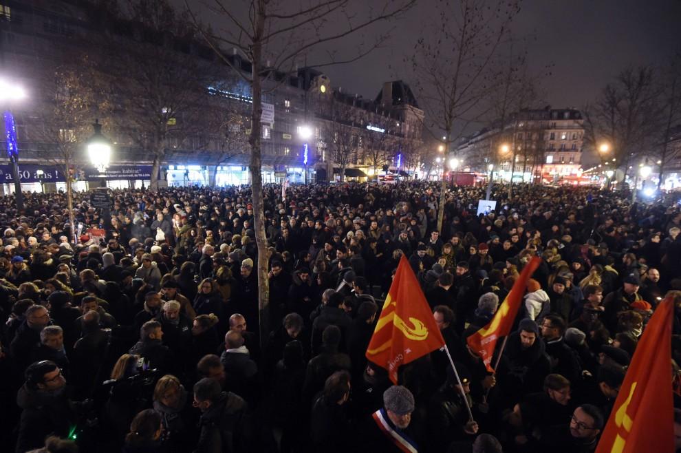 Strage a Parigi nella sede Charlie Hebdo: Ecco le Foto