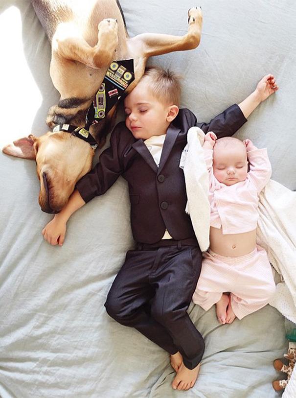 La Tenera Nanna del Trio Più Dolce di Sempre che ha Conquistato il Web