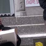 Pizza Gratis ad un Senzatetto: il Video che vi Farà Vedere le Cose in Modo Diverso