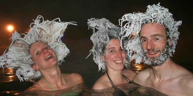 Fare il Bagno alle Terme mentre fuori ci sono -30°: il Risultato? È davvero Buffo!