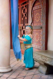 Come una Principessa Disney per Superare le Diversità: le Magiche Foto di una Bimba Speciale