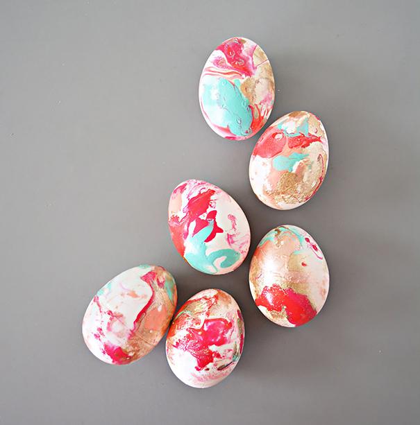Smalto 35 modi creativi di decorare le uova di pasqua roba da donne - Decorare le uova per pasqua ...