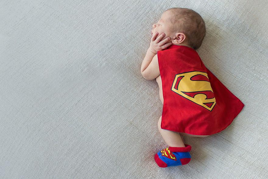 Piccoli Supereroi Crescono: da Superman a Star Wars, ecco i Travestimenti di questi Neonati
