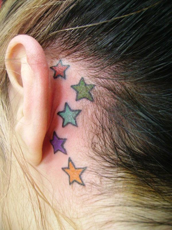 Discreti, Minimal e Sexy: 40 Idee per Tatuaggi dietro l'Orecchio