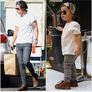A soli 2 anni Imita Harry Styles degli One Directions (forse) meglio dell'Originale