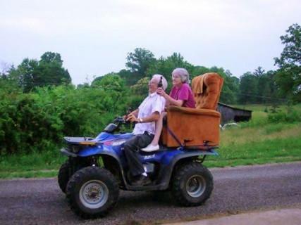 30 Coppie di Anziani che si Divertono Come se Fosse il loro Primo Giorno Insieme
