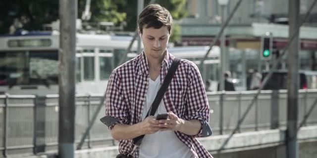 Morire per uno Smartphone: Ecco il Video Shock