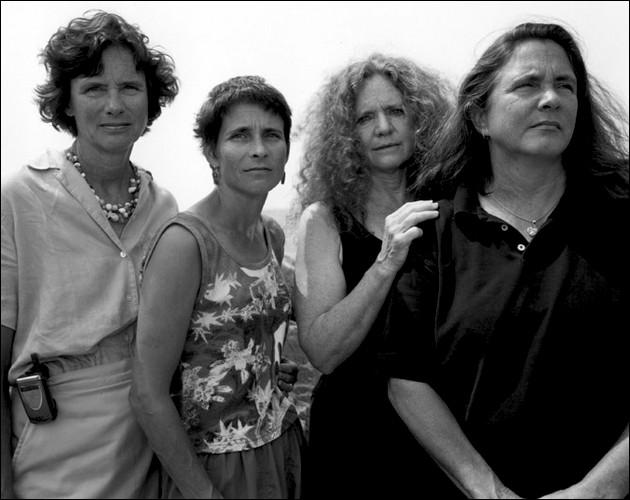 4 Sorelle si fanno Fotografare Ogni Anno per 36 anni: il Risultato è Emozionante