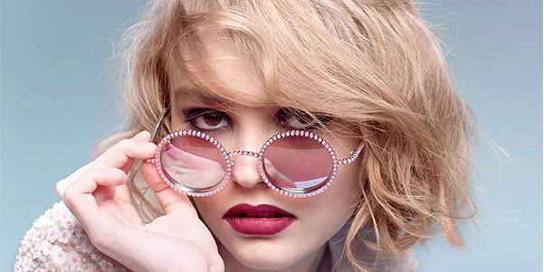 Lily-Rose, figlia di Johnny Depp e Vanessa Paradis, testimonial per Chanel. Il video