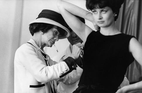 Il mito di Coco e della Maison Chanel in 18 scatti indimenticabili