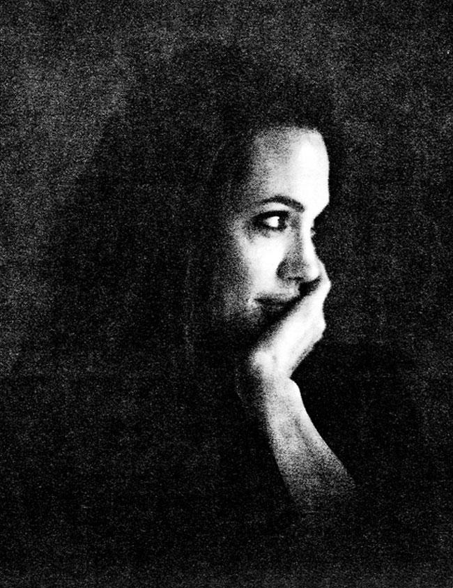 Angelina Jolie come non l'avevamo mai vista in 19 scatti... di Brad Pitt