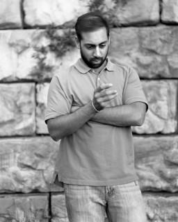 """""""Removed"""": Cellulari rimossi dalle Foto per Mostrare quanto ne siamo Dipendenti"""