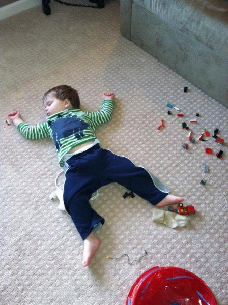 36 Bambini che Si Addormentano Davvero Ovunque!