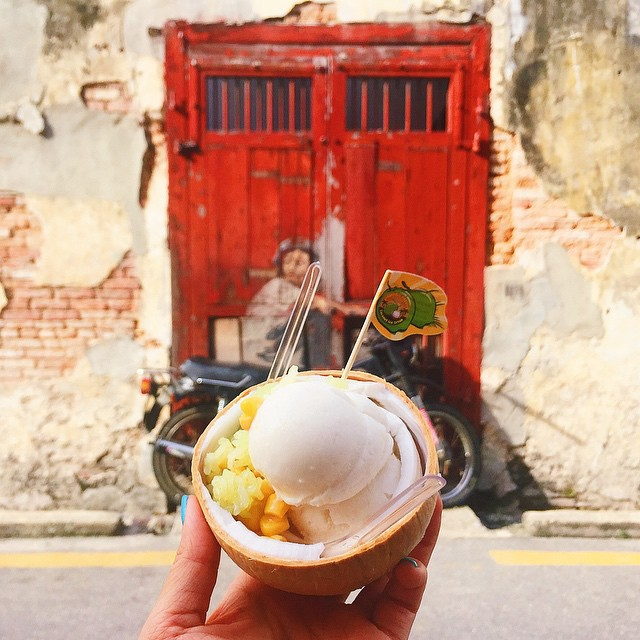 Altro che #foodporn: Questa Ragazza ha unito la Passione per i Viaggi... e il Cibo!