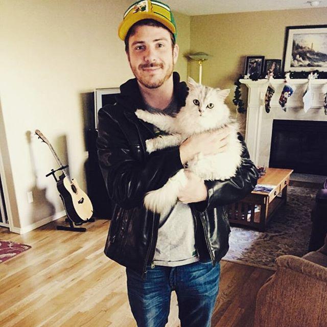25 Adorabili Gatti e i Loro Sexy Proprietari!