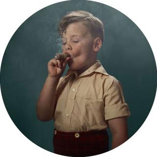 Bambini che Fumano: 14 Foto Shock per Sensibilizzare gli Adulti