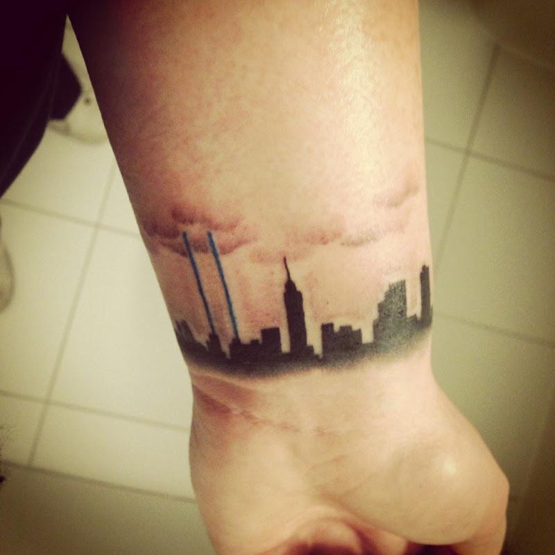Cerchi un'Idea per un Tatuaggio sul Polso? Lasciati Ispirare da Queste 35 Foto!