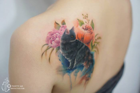 20 Meravigliosi Tatuaggi Floreali, Così Belli da Sembrare dei Dipinti!