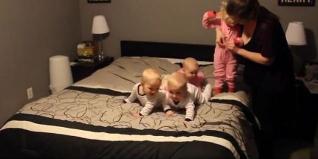 Ma Come Fa a Far Tutto?! Mamma alle Prese con 3 Gemelli e una Bimba: Ecco il Video!