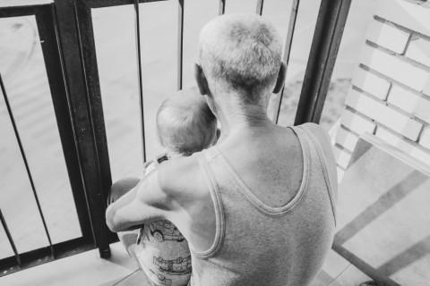 26 Esempi di Come un Papà Imperfetto Possa Diventare un Nonno Perfetto