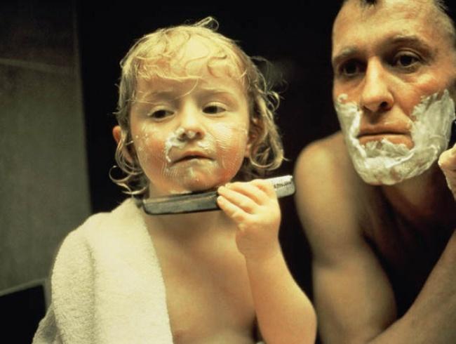 22 Foto di Papà Eccezionali che Hanno Capito Bene Come Crescere le Loro Figlie