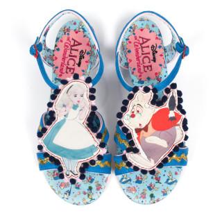 """Scarpe """"Pazze"""" Ispirate ad Alice nel Paese delle Meraviglie. Voi le Indossereste?"""