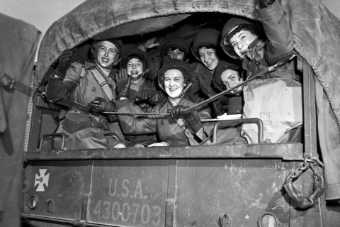 22 Incredibili Foto di Donne Coraggiose Durante la Seconda Guerra Mondiale