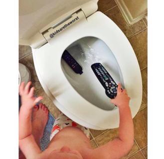 """""""Kids Are The Worst"""": 35 Foto di Bambini che Danno il Peggio di Loro"""