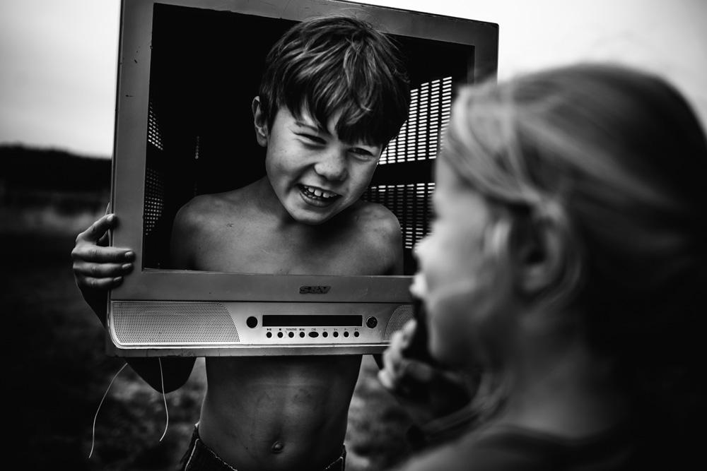 La Bellezza dell'Infanzia Vissuta Senza Tecnologia Raccontata in 30 Immagini