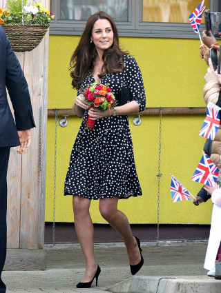 l'ultimo 1935c e28b8 21 Outfit di Kate Middleton dalle Grandi Firme alle Catene Low ...
